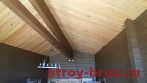 Применение балок в интерьер деревянного дома