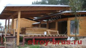 Пример деревянного дома с терассой