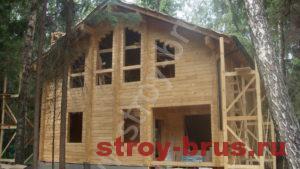 Построенный деревянный дом, фото