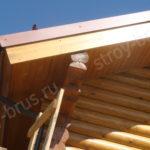 Крыша, подшитая струганной доской
