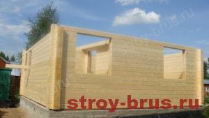 Стены деревянного дома по окончании работ