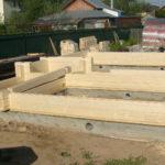 Начальный этап строительства дома из клееного бруса