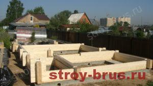 Начальный этап строительства деревянного дома