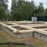 Начало строительство деревянного дома