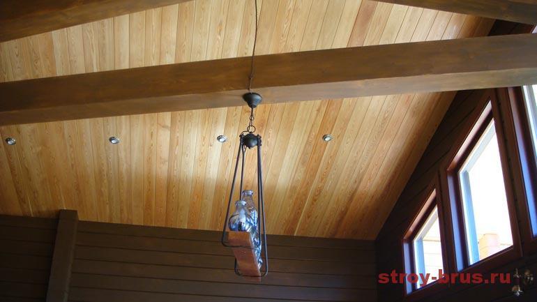 Пример интерьера деревянного дома