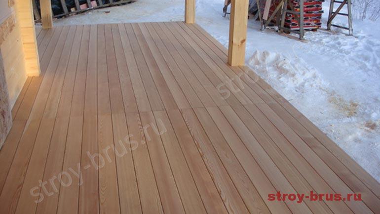 Как выглядит деревянный пол на террасе