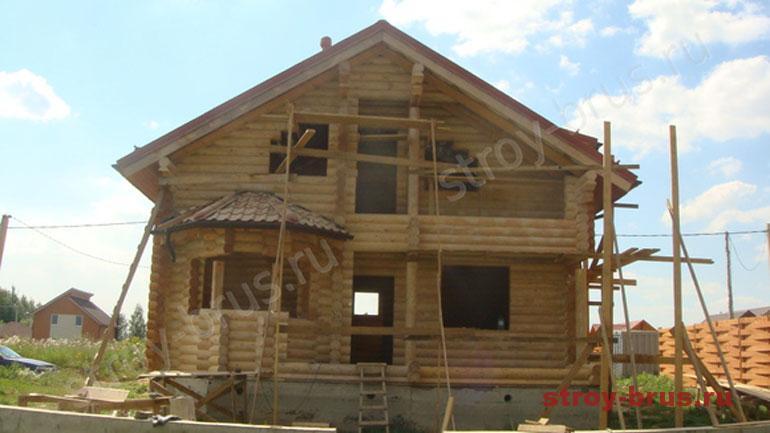 Как правильно красить стены деревянного дома после шлифовки