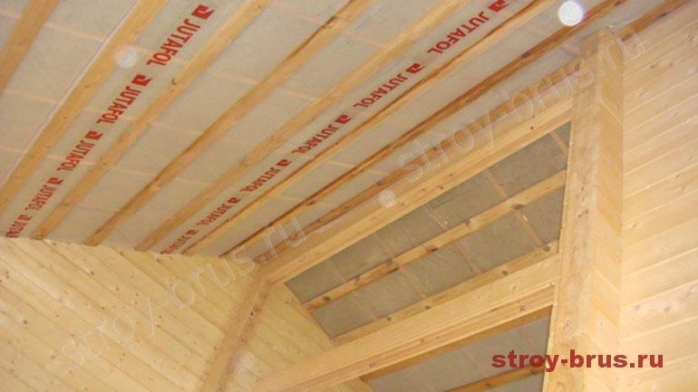 Утепление кровли в деревянном доме - вид изнутри