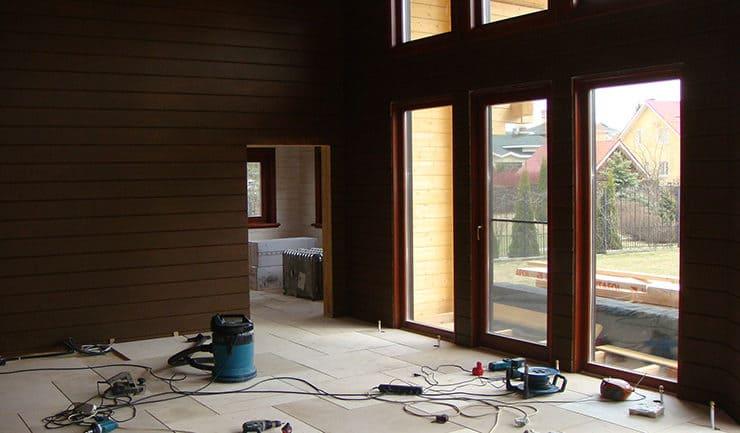 Покраска стен деревянного дома маслом OSMO