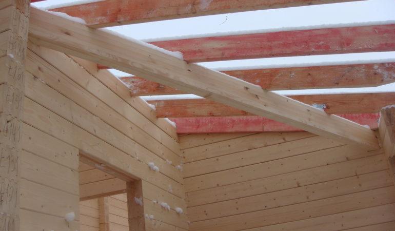Активная стадия строительства деревянной бани Новорижское шоссе