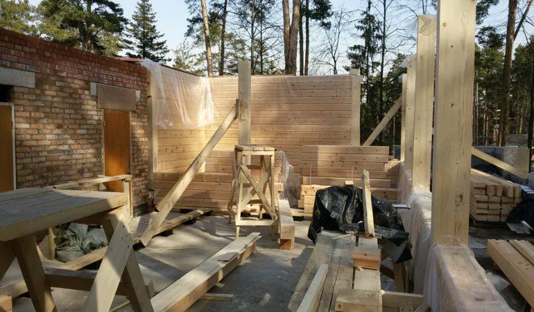 Строительные работы по возведению экологичного дома