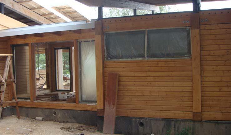 Фасад дома окрашен