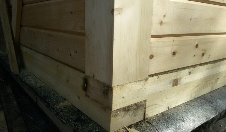 Технология крепления деревянных элементов в углах