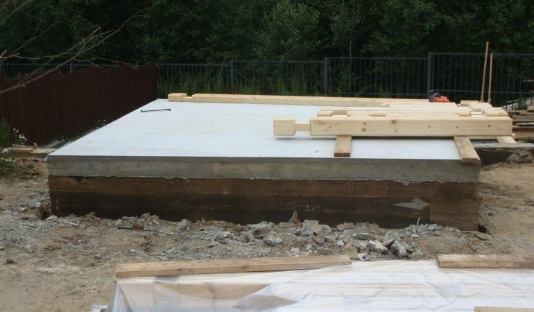 Начало строительства бани КП Брусландия