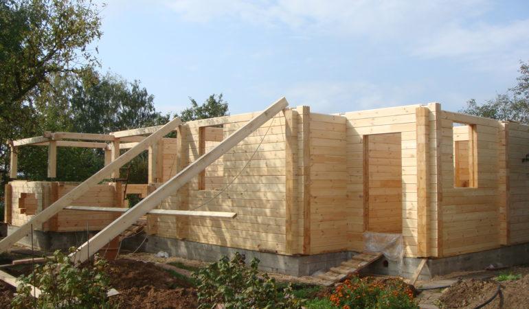Фото строящегося деревянного дома