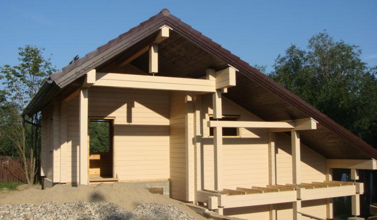 Завершающий этап строительства деревянной бани КП Брусландия