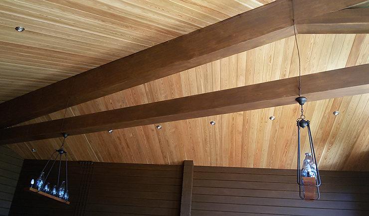 Окрашены стены и потолки из дерева маслом OSMO