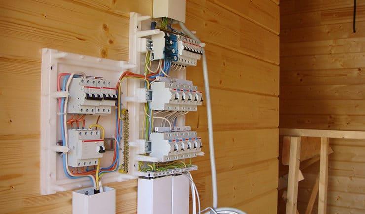 Щиток электрический для деревянного дома