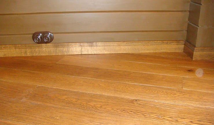 Ретро-розетки в доме из клееного бруса