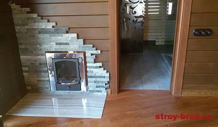 Уютность и комфорт придаёт часть интерьера сауны, находящаяся внутри дома