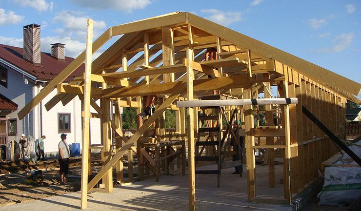 Передний фасад каркаса деревянного гаража