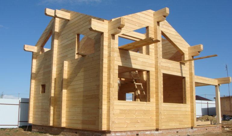 Разгар строительства дома из бруса КП Соколиная Гора