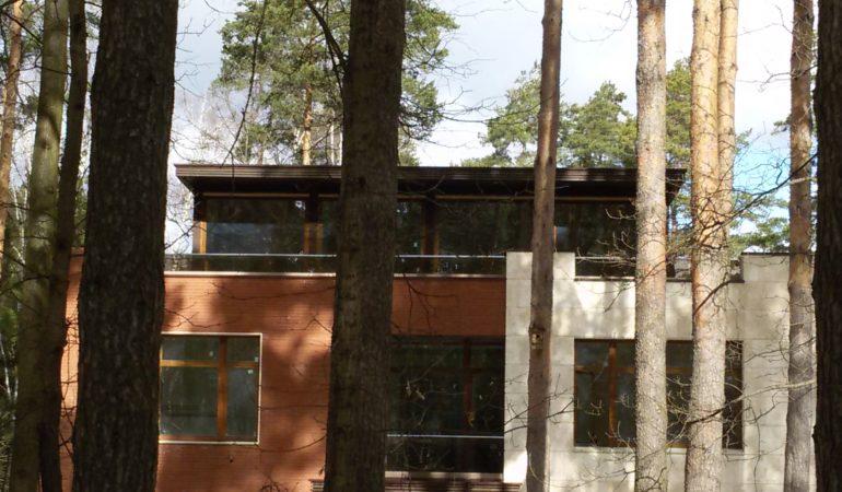 Этаж из кедра на крыше