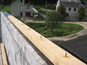 Монтаж мауэрлата под стропильную систему